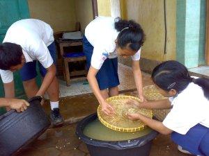 Anak-anak SMP Negeri 3 Satu Atap Kerjo